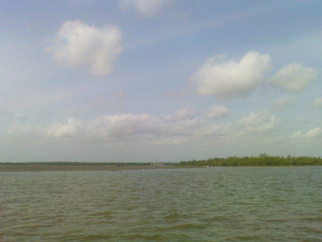 Perairan Kampung Laut, Nampak Pulau Nusakambangan